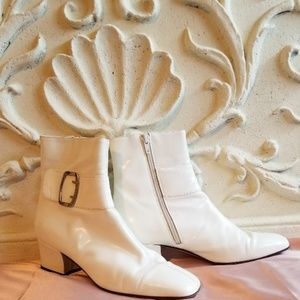 D'Rossi Couture White Bootie - Vintage